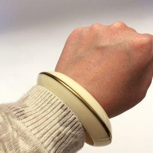 Gorgeous Vintage white & gold tone bangle bracelet